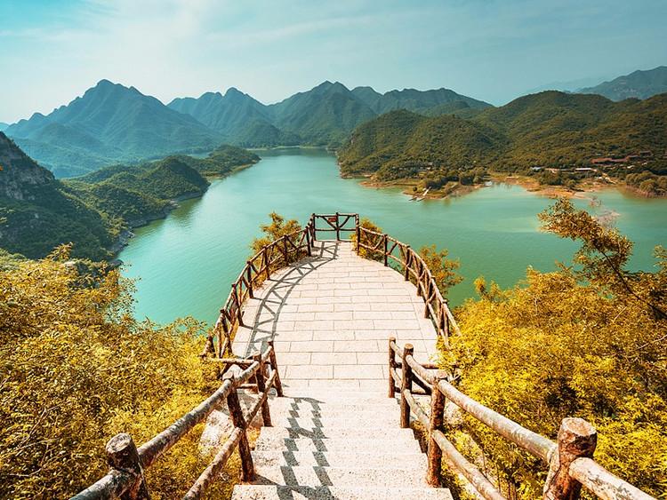【易水湖】中秋·国庆·游赏易水湖·逛太行水镇品民俗·清西陵看皇陵