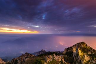 這一生就該給自己來一次夜爬泰山的極限挑戰!