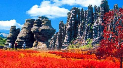 【达达线】国庆·美林谷·大青山·达达线·黄岗梁·阿斯哈图石林·勃隆克沙漠·玉龙沙湖4日大环线!